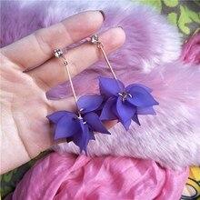 цена на 2020Geometric New Design Drop Earrings For Women Transparent Flower Rhinestone Long Chain Tassel Bead Pendant Earrings Wholesale