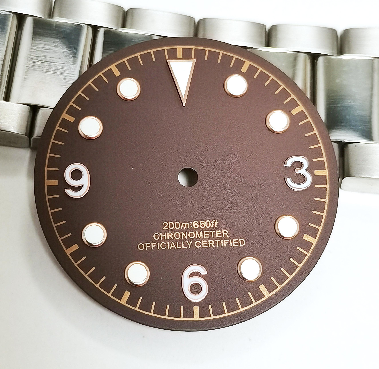 Novo relógio peças 30.5mm dial tem verde