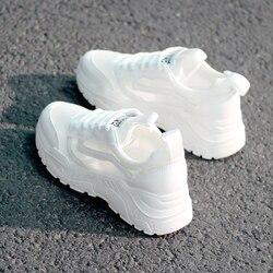 Mulheres Sapatos Da Moda Sapatos Casuais sapatos de Caminhada Respirável Malha Rendas Sapatos Up Planas Sneakers Mulheres 2020 Tenis Feminino Branco Sapatos Vulcanizados
