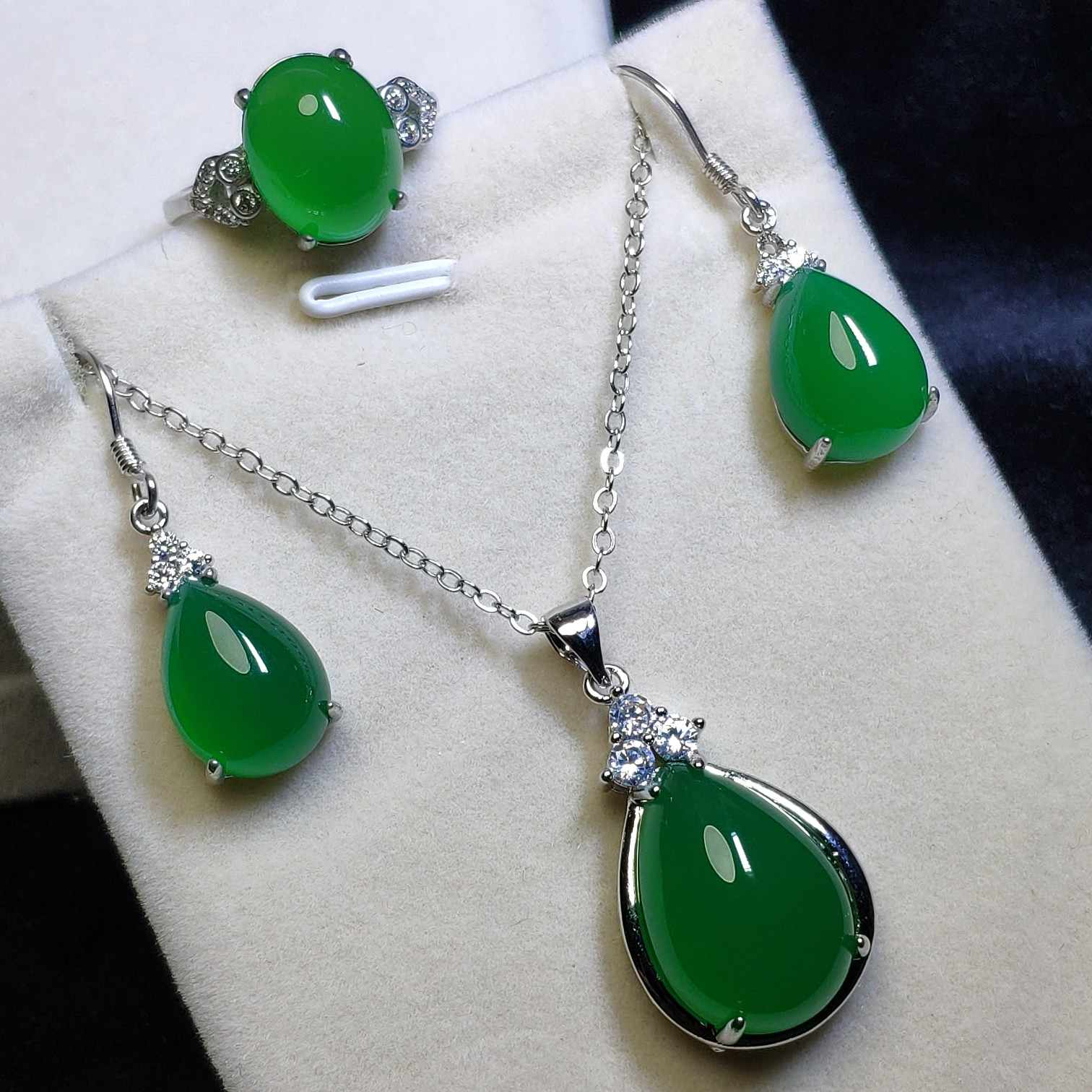 Letsfun 3 Pcs S925 Sterling Silver Natural Hijau Giok Batu Permata Anting-Anting Kalung Cincin Set Perhiasan Wanita Mewah