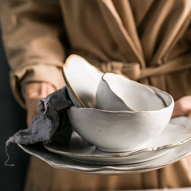 Piatti Irregolari di Ceramica Bianca Fatti a Mano 26