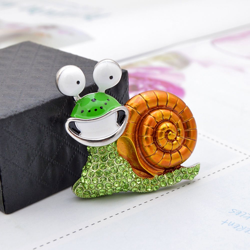CINDY XIANG Rhinestone Laugh Snail Brooch Cartoon Insect Funny Brooches For Women Enamel Jewelry Autumn Winter Design Pin Gift 4