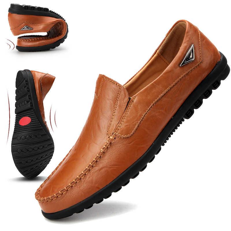 Véritable cuir hommes chaussures décontractées marque de luxe 2020 hommes mocassins mocassins respirant sans lacet marron conduite chaussures grande taille 37-47
