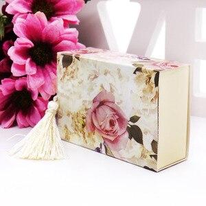 Image 2 - Caixa de papel doces 50 pçs/lote casamento, embalagem de presente de casamento caixa de doces forma de gaveta lembrancinha viagem caixa de doces flores casamento lembranças caixa de presente