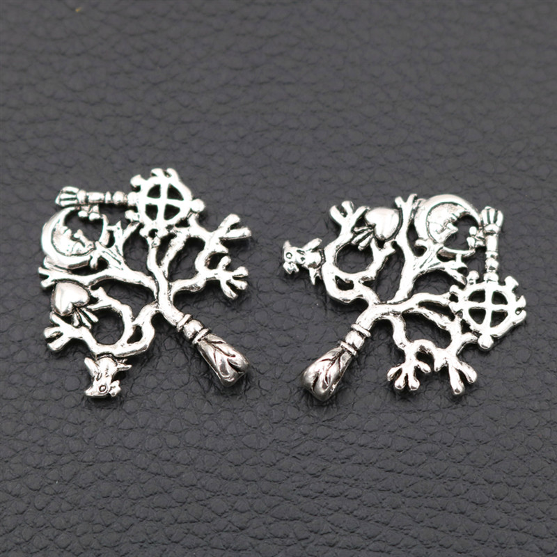 WKOUD 8pcs Antique Silver Peach Heart World Tree Pendant of Life Charms Magic Eternal 33*29mm A119