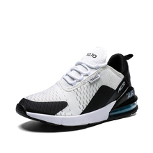 New Summer Autumn Lightweight Flyknit Mesh Sneakers Men Shoes Casual Breathable Comfortable Male Shoes Walking Footwear