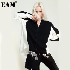 [EAM] Women Black White Knitting Split Big Size Blouse New V-collar Long Sleeve Loose Fit Shirt Fashion Spring Summer 2020 JO652