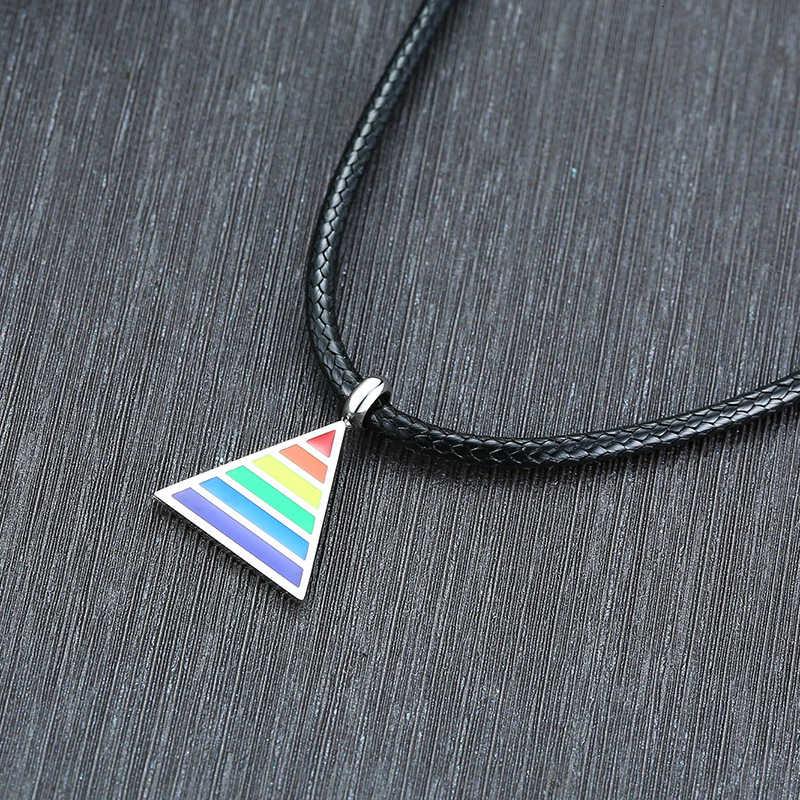 เกย์สายรุ้งสร้อยคอสามเหลี่ยมเรขาคณิต Pride เลสเบี้ยน LGBT Pride Pewter จี้สำหรับสตรีและผู้ชายเครื่องประดับ