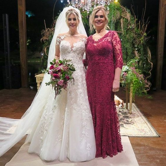 Dark Red Mother Of The Bride Dresses Scoop Sheer Neck 3/4 Sleeves Stunning Long Wedding Party Gowns Vestido De Madrinha Farsali