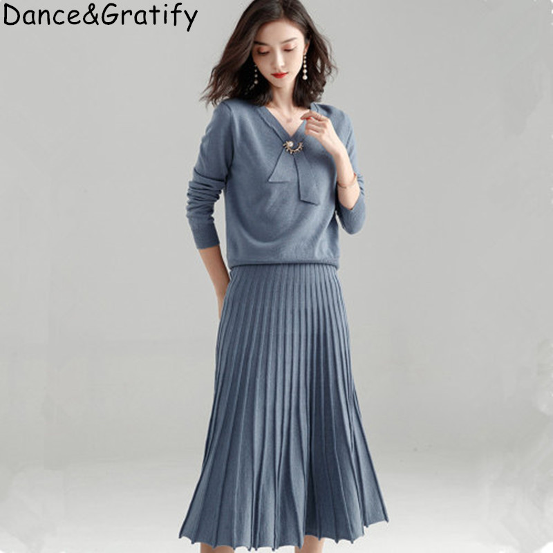Fashion Ladies Knit Two Piece Set Long Sleeve V-neck Pullovers Top And Mid-calf Pleated Skirt 2019 New Autumn Women Sweater Suit