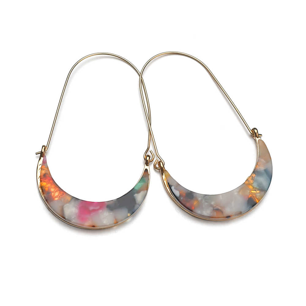 Hot Sale Acrylic Moon Hoop Anting-Anting untuk Wanita Penjualan Panas Modern Vintage Perhiasan Fashion Wanita Anting-Anting Perempuan 2019 Grosir