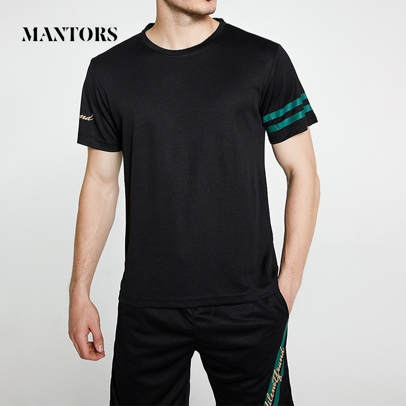 New Men Shorts Set 2020 Summer Casual Solid Tracksuit T-shirts+Shorts Mens Sportswear Tee Shirts Sweat Suit Fitness Male Outwear