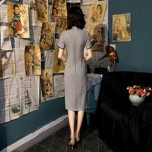Image 2 - Zwart Wit Plaid Chinese Qipao Jurk Katoen Knie Lengte Cheongsam China College Stijl Kostuum Jurken Vrouwen Vintage Qipao