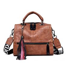 Marka Vintage Sac pu Leather Tassel luksusowa torebka damska torebki torebki markowe wysokiej jakości damskie torebki damskie 2020 tanie tanio VANDERWAH Boston Torby na ramię Na ramię i torebki zipper Miękkie Ił kieszeń 1003 Poliester Wszechstronny WOMEN Stałe