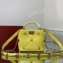 2021 new luxury rivet bucket shoulder bag, high-quality leather and sheepskin handbag, free two shoulder straps