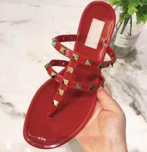 classics brand v logo women sandal flat shoes rivets fashion slipper top PVC red women Beach shoes jelly shoes 35-40(China)