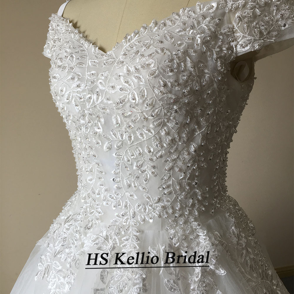 Image 5 - Wedding Dress Real Sample Lace Appliques Ball Gown Bridal Dress With 1 m Tail-in Wedding Dresses from Weddings & Events