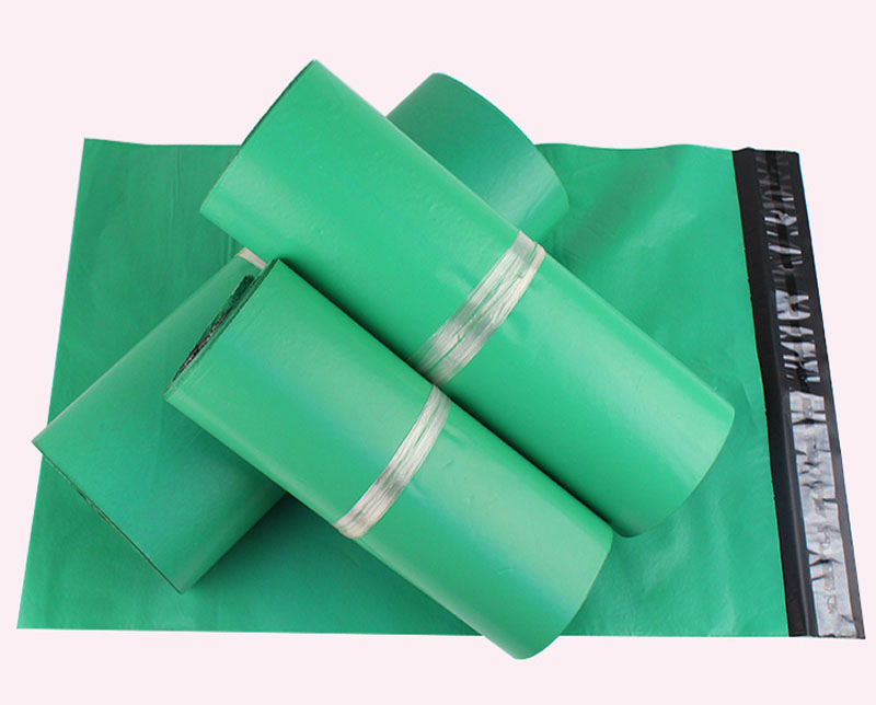 100pcs 17*30cm green Poly Mailer Plastic Shipping Mailing Bag Envelopes Polybags Strong Plastic Seal Postage Bags Free Shipping(China)