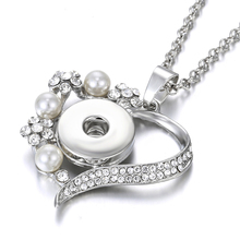 2019 New Snap Jewelry Crystal Flower Love Heart Pendant Necklace Fit 18mm Button Women Necklaces