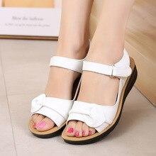Anneler Platform sandaletler yaz düz ayakkabı kadın yuvarlak ayak moda takozlar kadın anne düz sandalet bayanlar rahat ayakkabılar