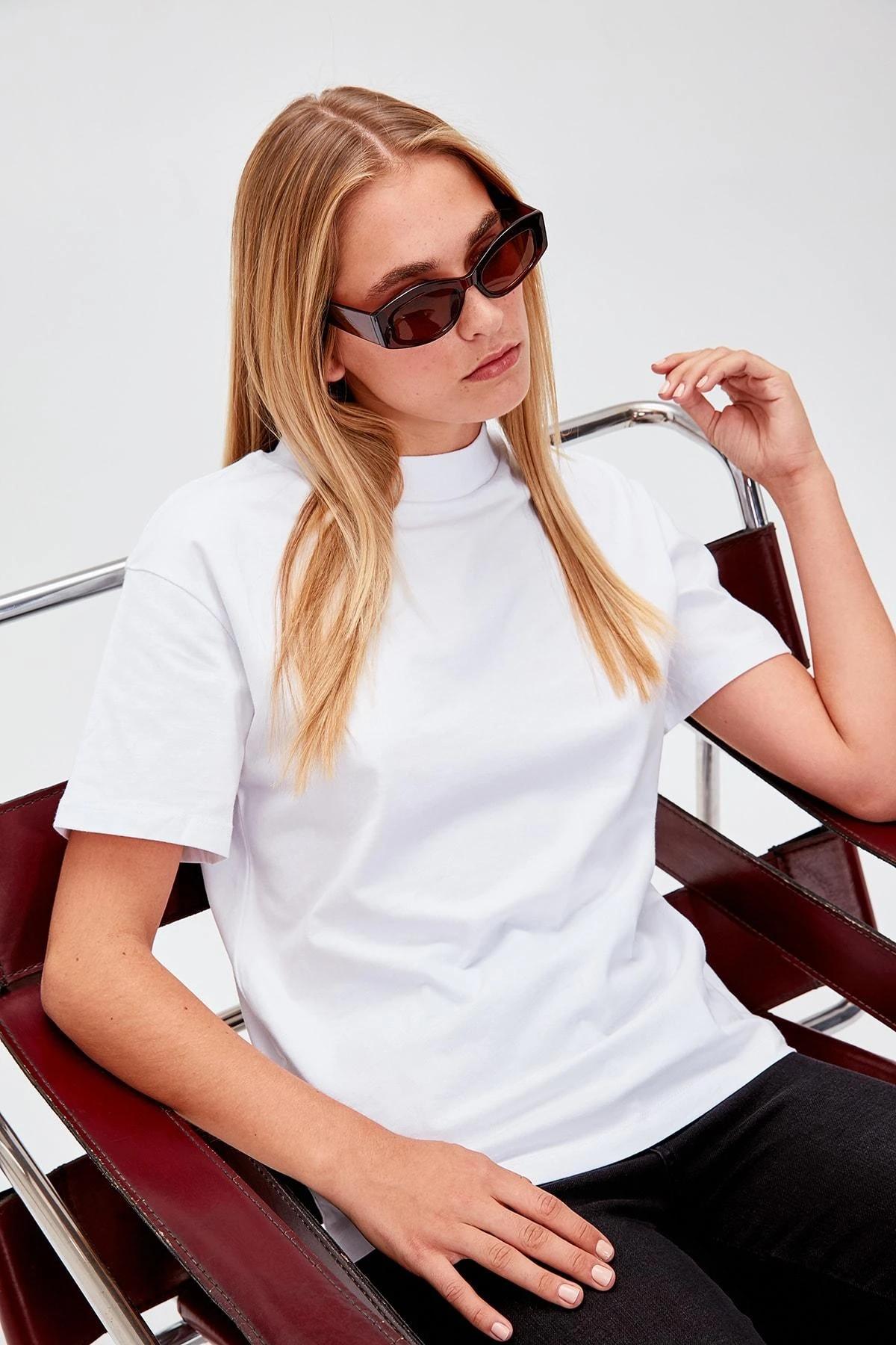 Trendyol белая прозрачная трикотажная футболка TWOAW20TS0096