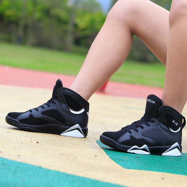 Couple Cushioning Jordan Retro Basketball Shoes Men's High-top Basketball Sneakers Boots Men Outdoor Size 45 Basket Shoes Unisex 2