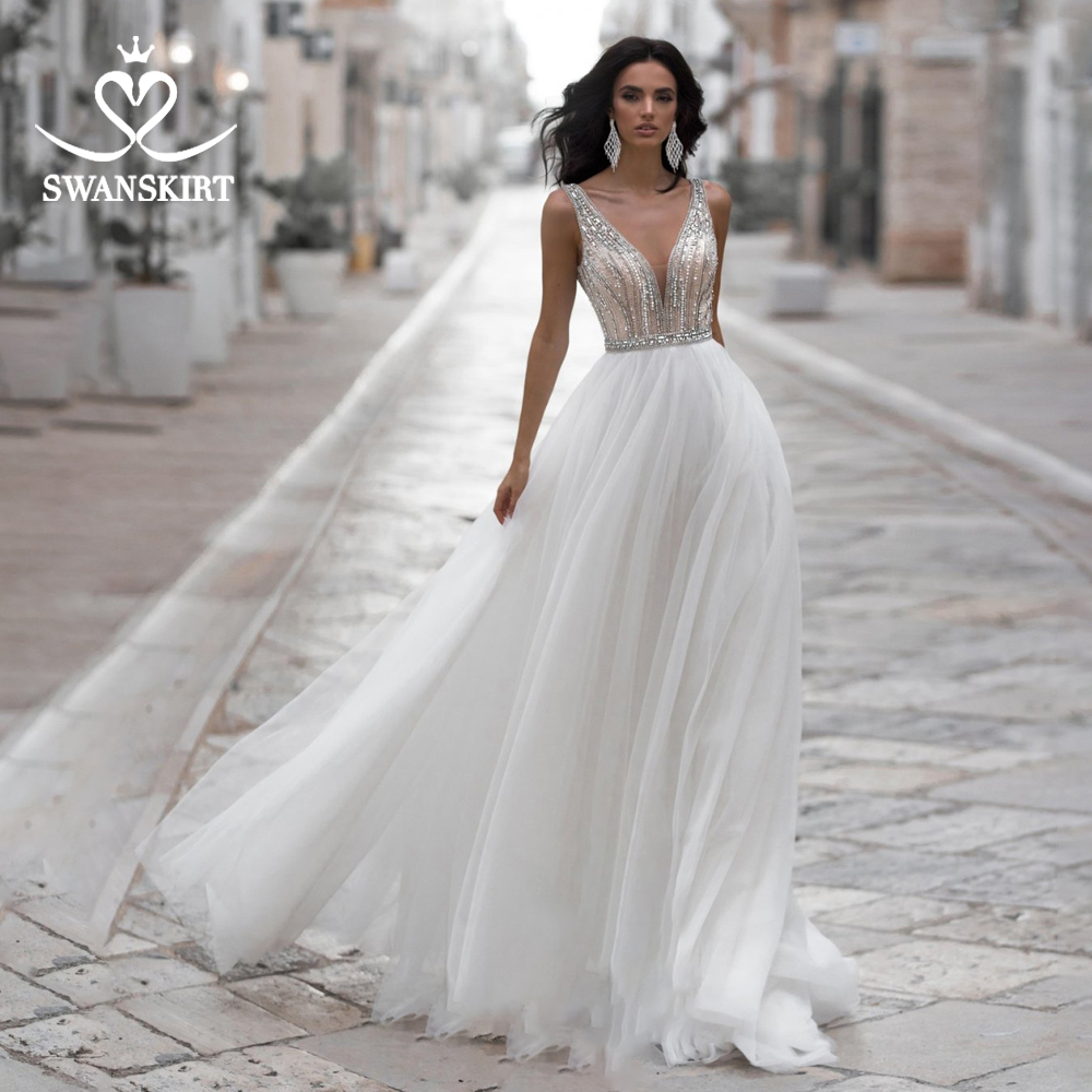 Vintage V-neck Beaded Wedding Dress Swanskirt N132 A-Line Backless Sleeveless Court Train Princess Bride Gowns Robe De Mariage