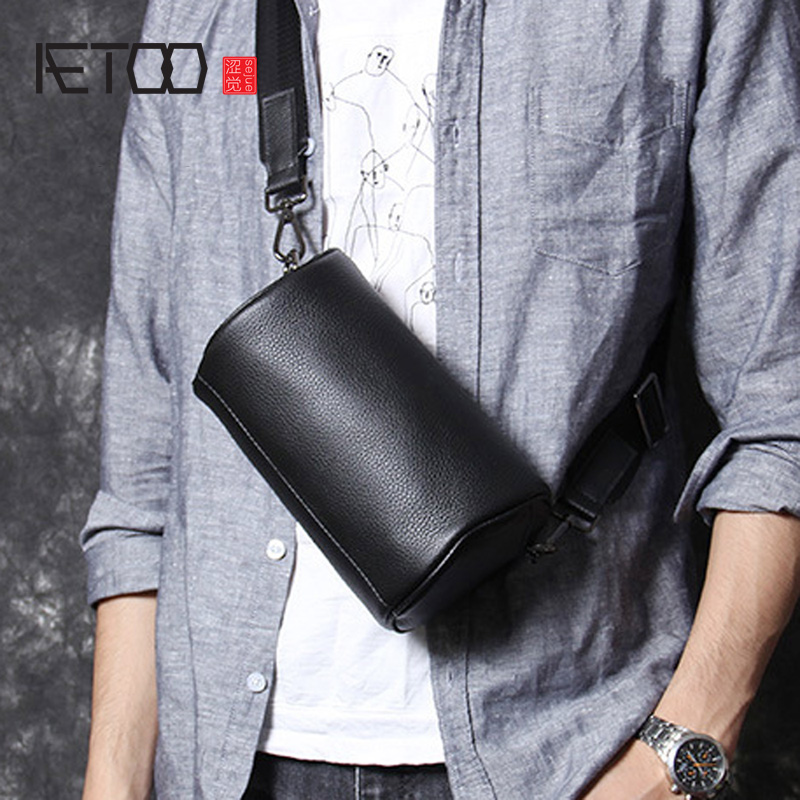 AETOO Head Cowhide Single Shoulder Crossbody Bag Male Leather Handmade Chest Bag Casual Fashion Bucket Bag