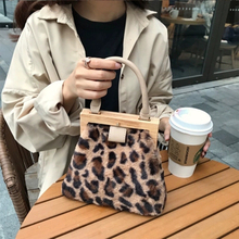Fashion Wool Plaid Shoulder Messenger Bag Vintage Plush Leopard Women Handbag  Designer Wooden Clip Evening Mobile Phone