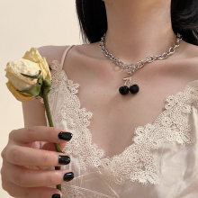 Black Cherry Necklace Female Clavicle Silver O-Chain Choker Necklaces Tide Hiphop Cold Wind Neck Cherry Choker Women Jewelry