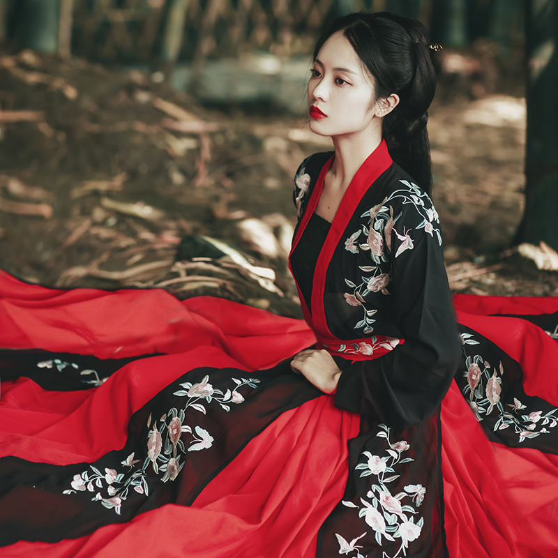 Female Hanfu Costumes Chinese Style Daily Autumn Dress Traditional Embroidery 6 Meters Big Swing Dress Red Black Hanfu DQL2610