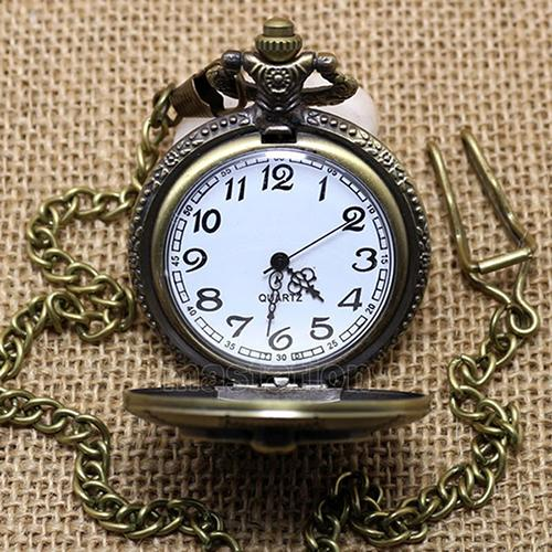 Unisex Vintage Bronze Motorcycle Pattern Pocket Watch Necklace Pendant Men Women Quartz Pocket Watch Gift  Roman Numerals Quartz