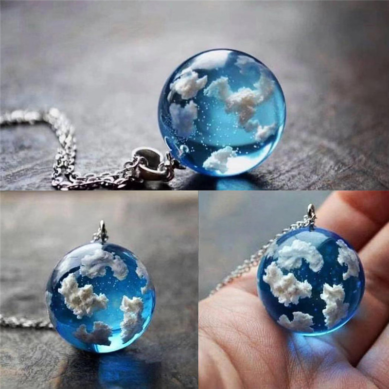 Creative Handmade Blue Sky White Cloud Transparent Spherical Resin Pendant Clavicle Chain Necklace Necklaces Pendants Christmas