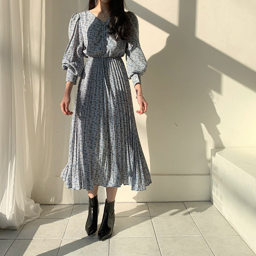 H53f4b40fcee341489159a1028fe41a9eu - Autumn V-Neck Long Sleeves Floral Print Pleated Midi Dress