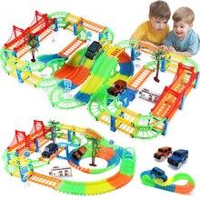 Bağlantı 2 tipi demiryolu büyülü yarış pisti oyun seti DIY viraj esnek yarış pisti elektronik flaş ışığı oyuncak arabalar çocuklar için