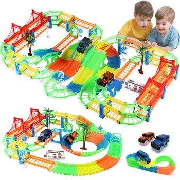 Conectar 2 tipos de ferrocarril mágico juego de pista de carreras DIY curva Flexible pista de carreras Luz de Flash electrónico coche juguetes para niños