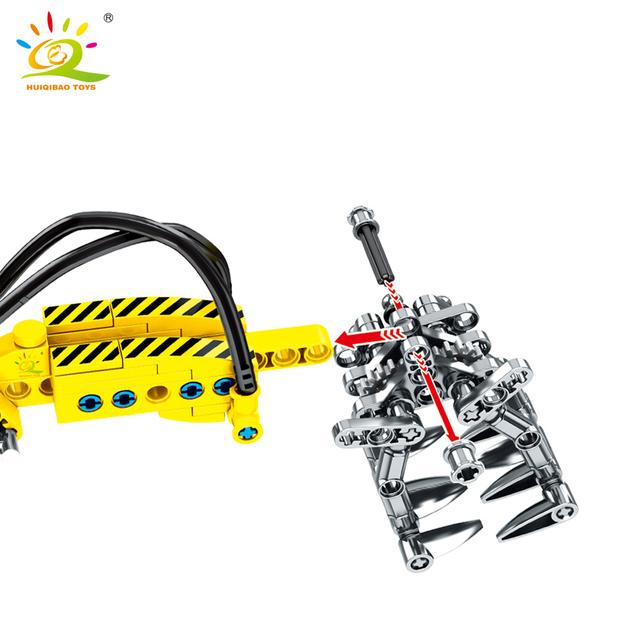 HUIQIBAO 715pcs Piling vehicle Building Block Technic Engineering City Construction Bricks car truck Toys For Children