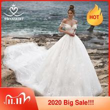 Sweetheart Ball Gown Wedding Dress Vintage Beaded Appliques lace Bride gown Princess Royal Train Swanskirt N104 Robe De Mariage