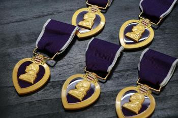 5 sztuk partia wojskowy Order purpurowego serca USA Medal wojskowy tanie i dobre opinie Patriotyzmu Nowoczesne Metal