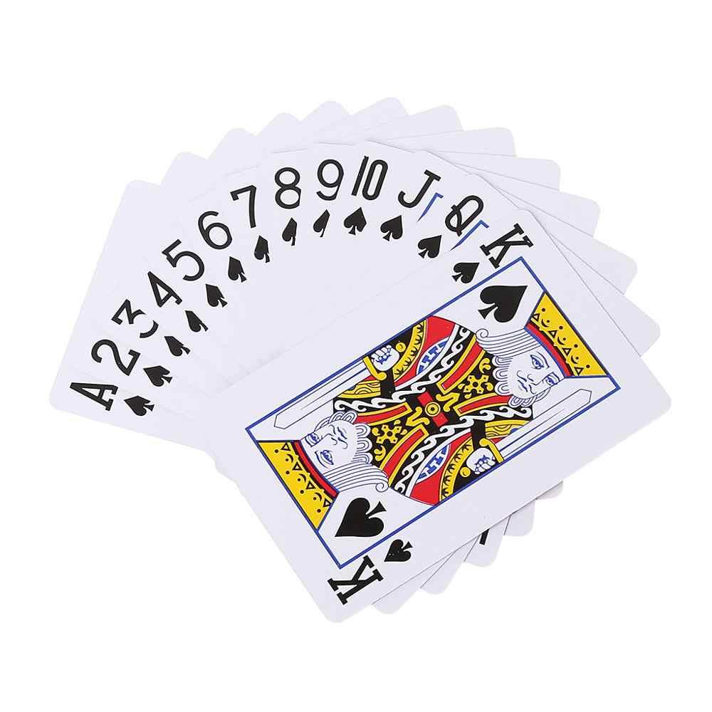 Um baralho de cartas de poker família reunião festa noite clube bar casamento jogar cartas