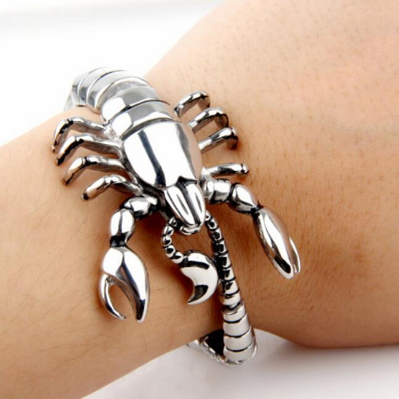 EDC Outdoor Self Defense Titanium Steel Silver Shark Scorpion Bracelet Multifunction Tool Domineering Shark Punk Locomotive Men