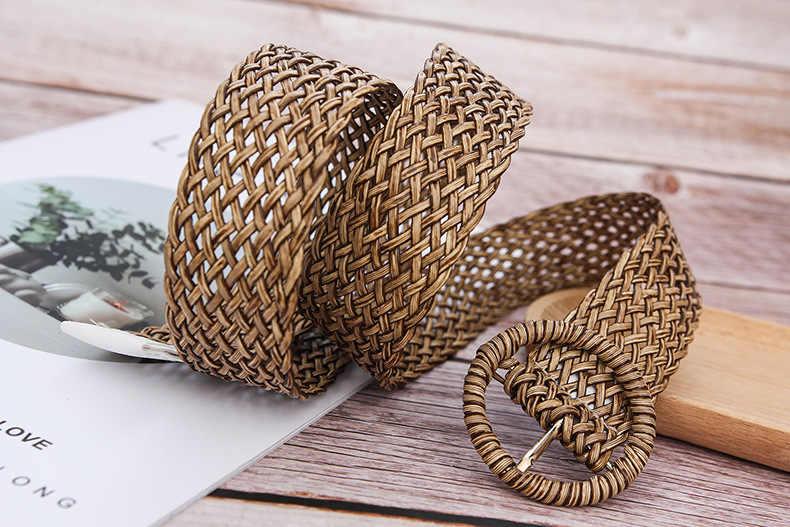 חדש בציר קש רחב חלול החוצה קלוע עץ חלק Sriped מותניים חגורות עגול אבזם חגורת נקבה חגורת לנשים קיץ שמלה