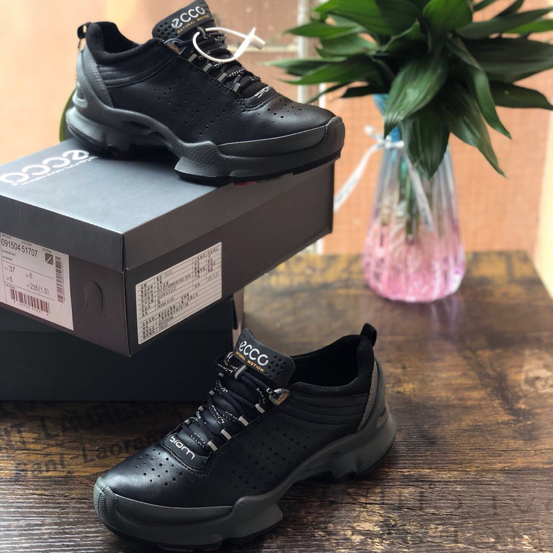 Genuine Leather Golf Shoes Men Brand Outdoor Spikesless Golf Walking Sport Snakers Mens Trainers