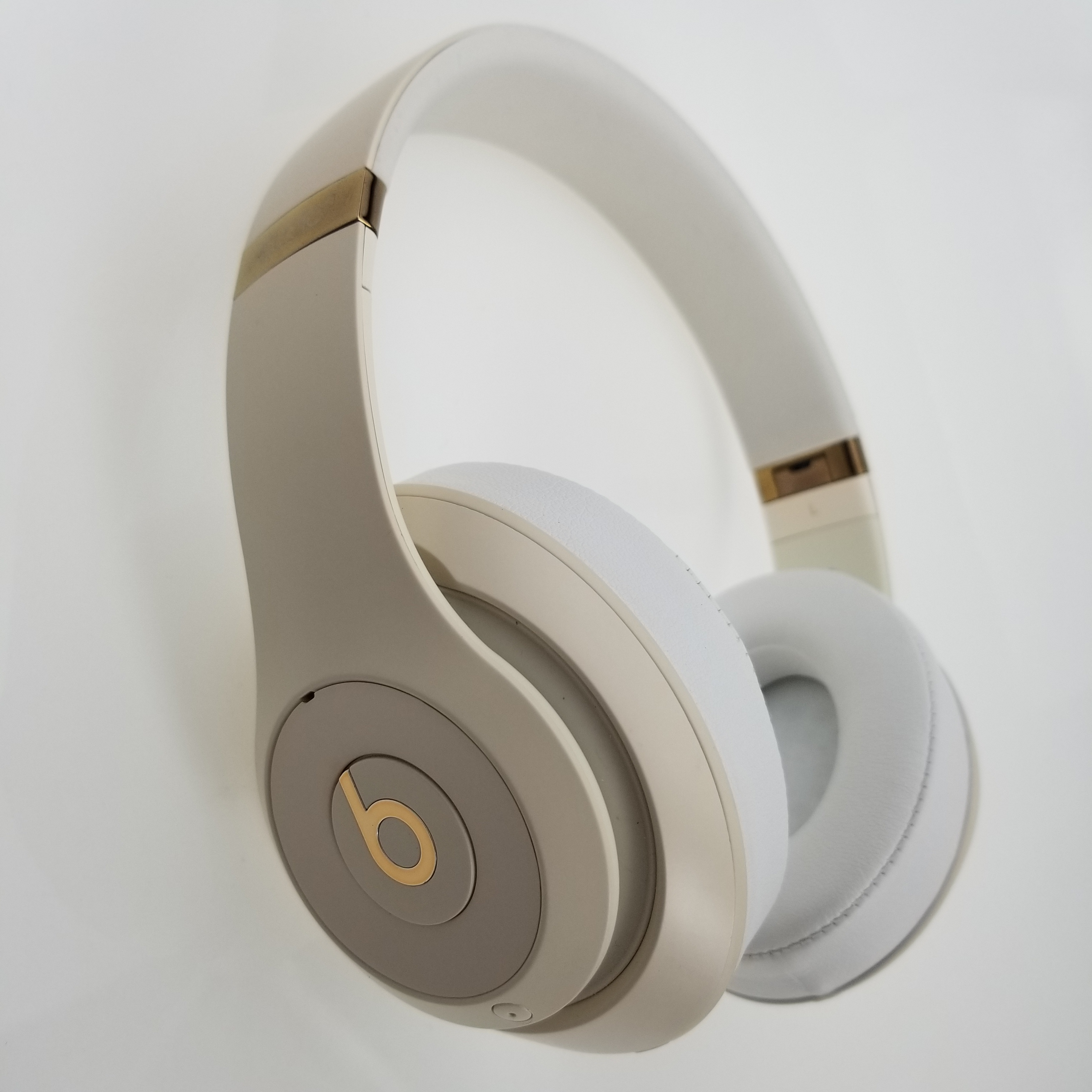 Beats Studio3 Original Over-Ear Headset Hands-free Earphone Wireless Bluetooth Headphone Music Fast Charge Anti Noise