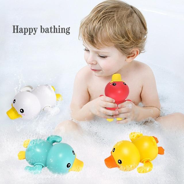 Mainan Clockword Swimming Duck Mengapung 3