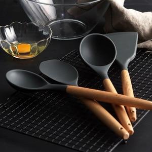 Image 3 - סיליקון כלי מטבח סט בישול כלים כלי סט חפירה מרית מרק כפית עם עץ ידית מיוחד חום עמיד עיצוב