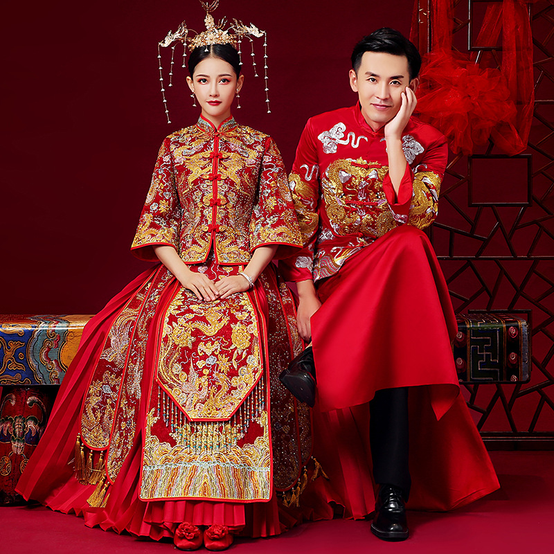 Closeout DealsChinese Traditional Wedding Dress Cheongsam Dragon Phoenix Clothing Qipao Embroidery Red Satin Tops For Woman Gold Brocade Gown