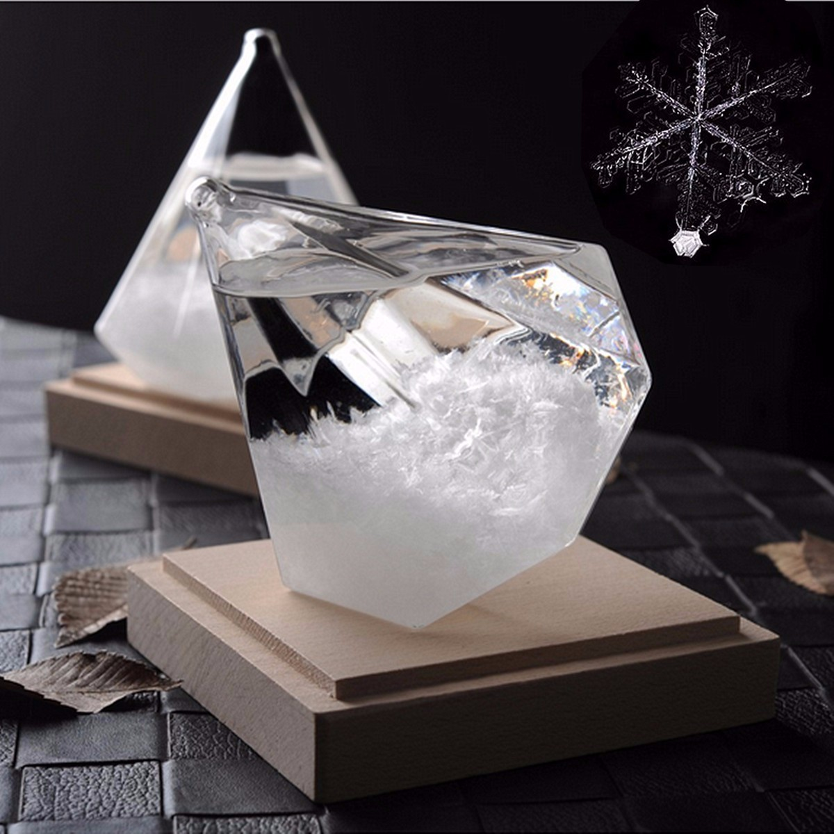 Transparent Ice Diamond Storms Glass Snowflake Weather Storms Forecast Predictor Monitor Bottle Barometer Home Decor Figurines