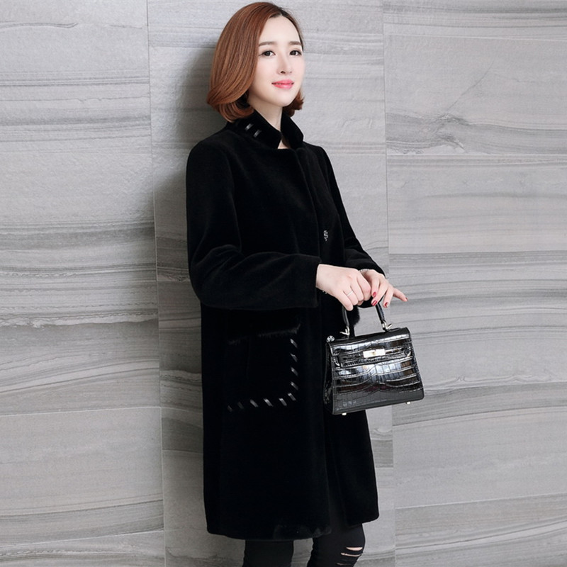 Winter Jacket Women Real Sheep Shearing Fur Coats Female Natural Wool Overcoat Mink Fur Pockets Spring Clothes LWL1381