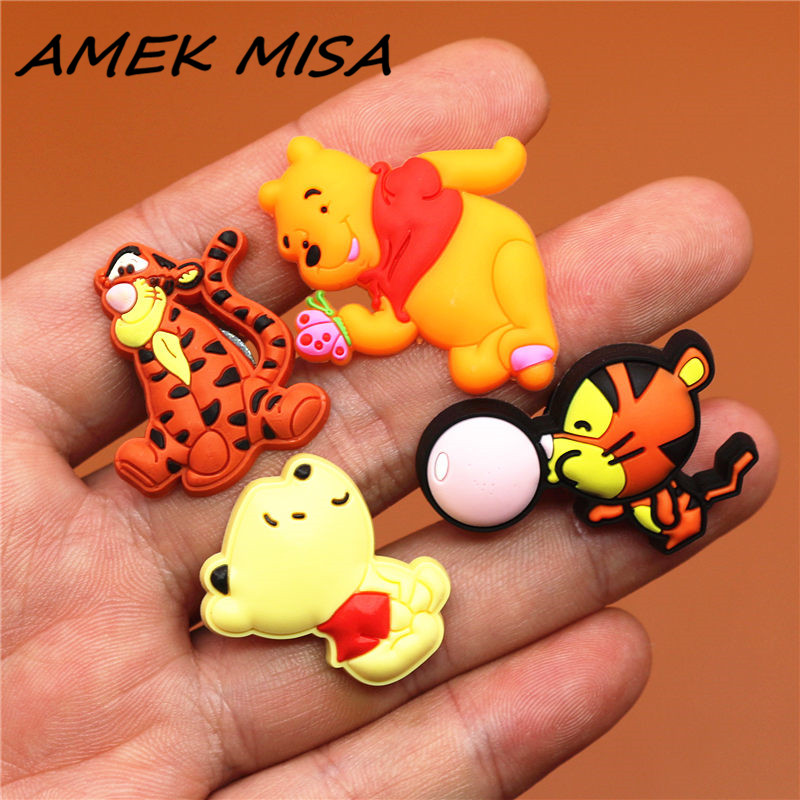 1pcs Sale High Imitation Shoe Charms Cute Cartoon Tiger And Bear Buckle Decorations Garden Shoe Accessories Fit For Croc JIBZ Ki